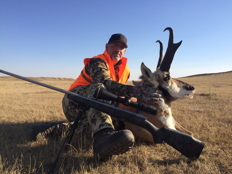 trophy pronghorn antelope guided private land hunts wyoming